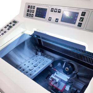 Halbautomatischer Standkryostat MC 5000